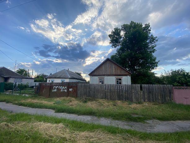 Земельна ділянка зі старим будинком
