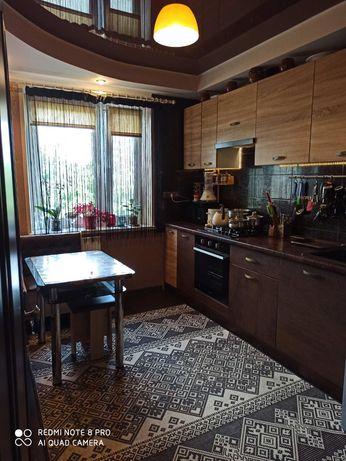 Продам шикарную трехкомнатную квартиру.