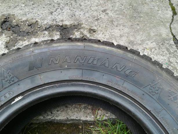 Opony Zimowe NANKANG 215/65R15