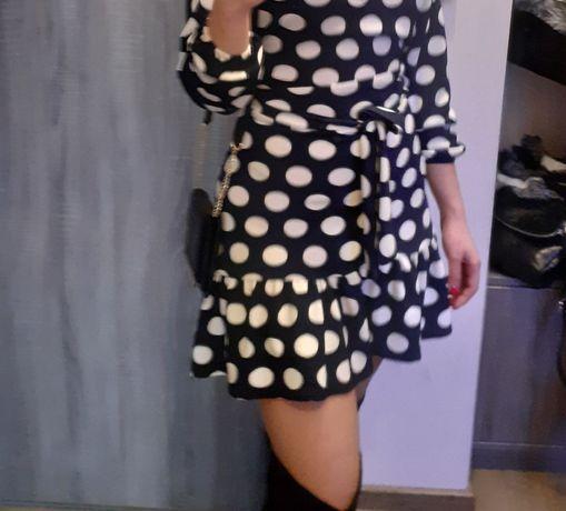 Piekne sukienka w duże groszki z falbanką rozm. UNIWERSALNY