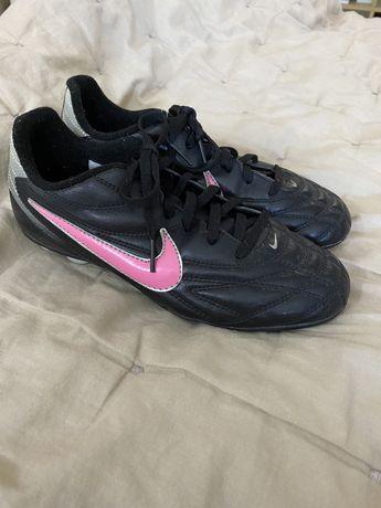 Chuteiras futebol Nike n36