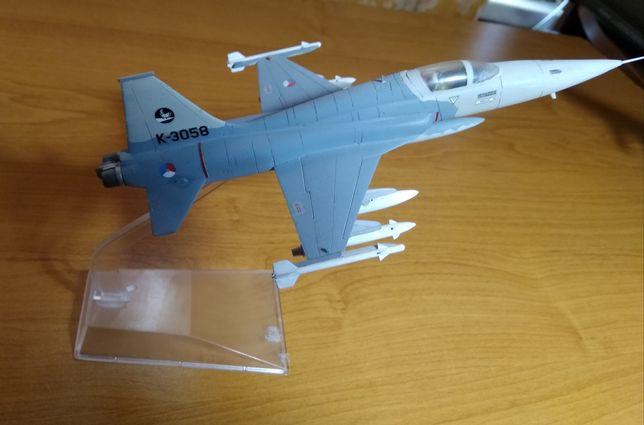 Модель самолёта 1:72 (любая модель 400 грн.)