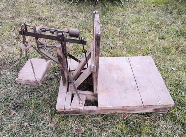 Zabytkowa drewniana waga towarowa - do zboża