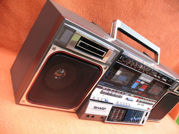 Radioodtwarzacz Sharp GF 780.
