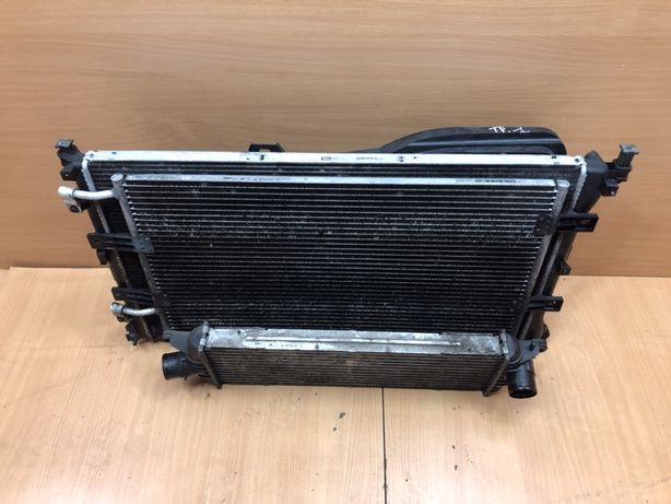 Радиатор Рено Трафик мастер Опель Виваро 2.5 Vivaro