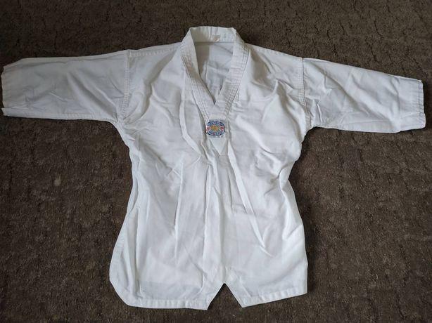 Кимоно белое и борцовки для тхеквандо и дзюдо