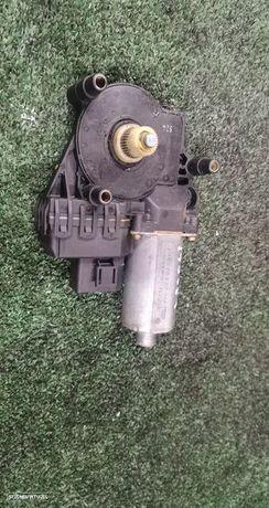 Motor De Elevador Trás Esquerdo Audi A4 Avant (8D5, B5)