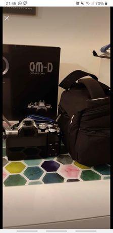 Maq. Fotográfica Olympus OMD EM-10 Mark II + M.Zuiko 14-42mm + kit