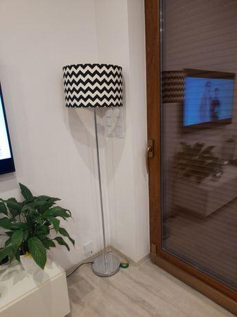 Lampa stojaca podlogowa