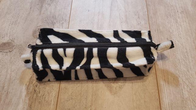 Piórnik wzór zebry