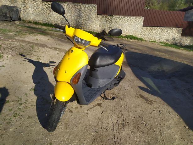 Продам скутер Suzuki lets 4