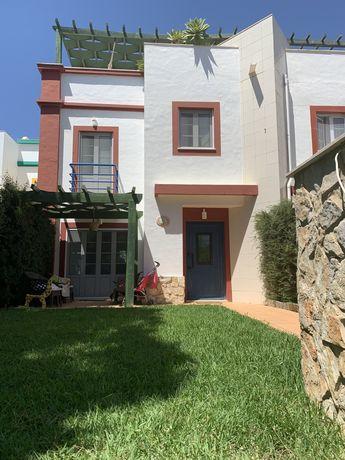 Moradia V3+1 Praia Verde