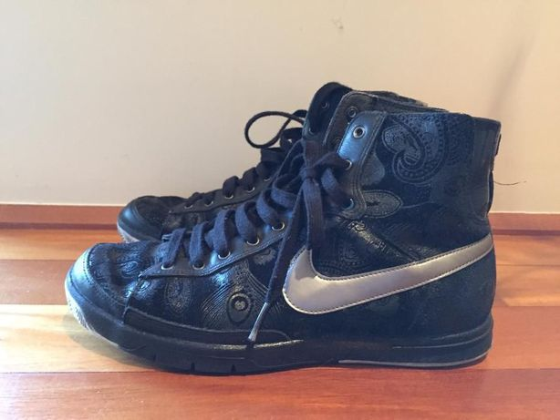Ténis/Sapatilha Nike Preto com cornucópias cinza