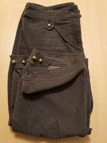 SPODNIE damskie sztruksowe, drobny sztruks, za kolana, brązowe