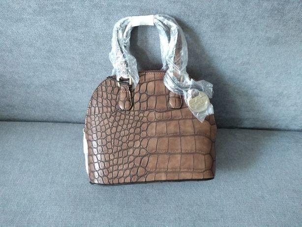 Mała torebka damska firmy Carpisa