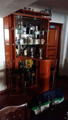 Móvel bar em Cerejeira