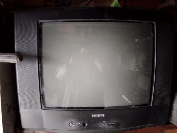 Продам телевизор PHILIPS в хорошем состоянии.