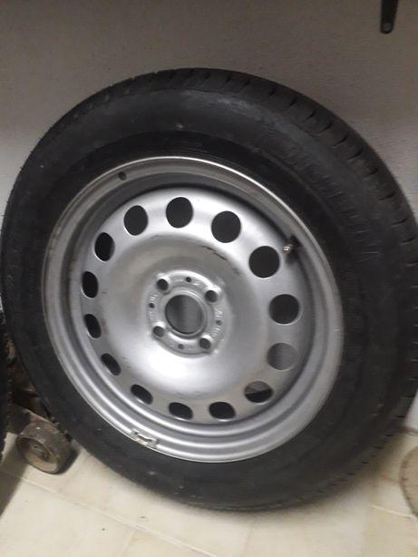 Jante com pneu novo 175/65/15