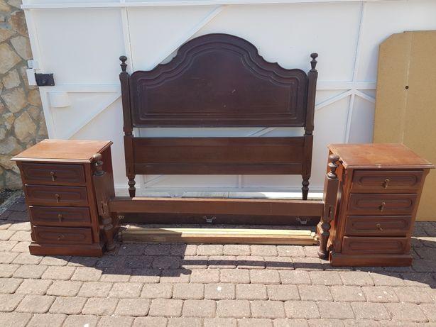 Cama colchao 1,28m x 1,85 e 2 mesas cabeceira