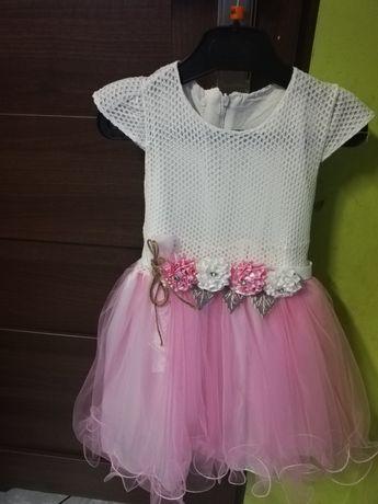 Sukienka rozm 104