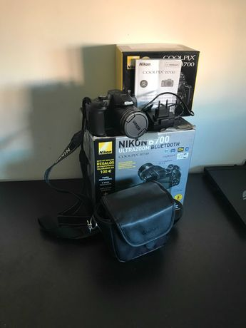 Câmara Digital Nikon B700 Cooplix B700 como nova  (inclui acessórios)