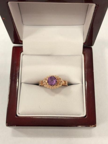 złoty pierścionek 4,12g R:19 585