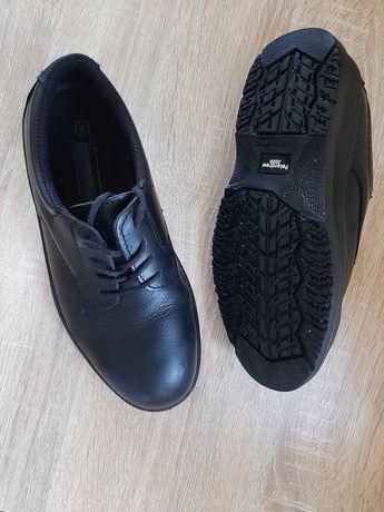 Туфли на мальчика, натуральная кожа.