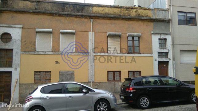 Prédio à venda com projecto aprovado para construção imediata no Porto