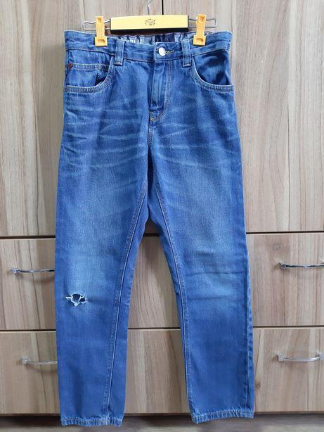 Продам джинсы на подростка фирмы некст. Размер 9-10 лет.