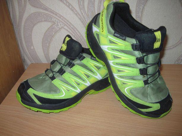 Продам трекинговые кроссовки фирмы Salomon 32,5 размера .