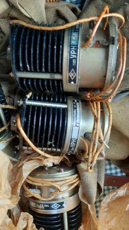Угольный регулятор напряжения УРН-422 , УРН-423