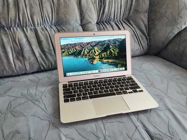 Apple MacBook Air 11 2015 (i5, 4Gb, SSD 128Gb, 6 часов батарея)