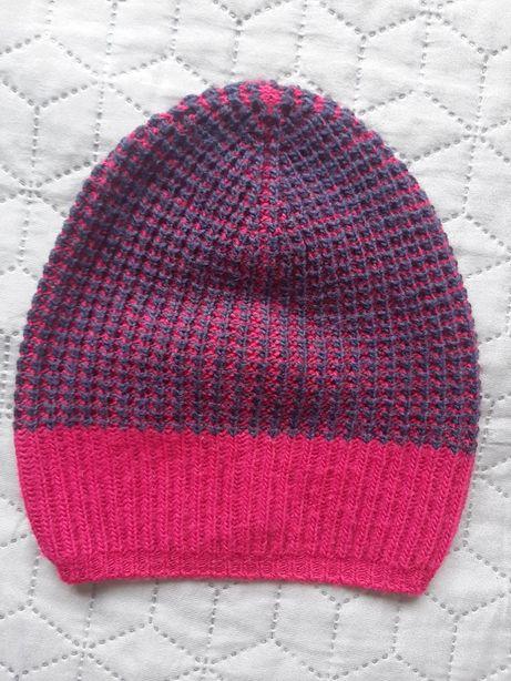 Весенняя шапочка для девочки Веnetton