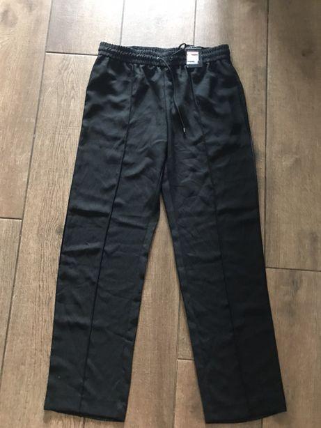 Czarne proste spodnie rozmiar L