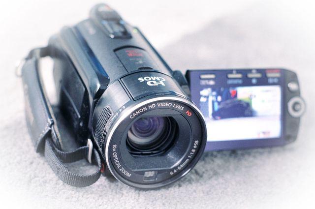 Kamera cyfrowa Canon Legria HF S10 plus druga bateria, HDMI, 32GB