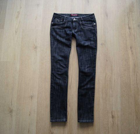 Czarne spodnie jeansowe proste wąskie nogawki 38 M