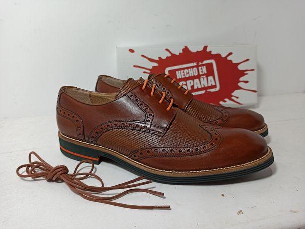 Мужские туфли оксфорды , натуральная кожа. Цвет коричневый. Испания