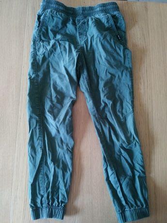 Spodnie chłopięce na gumie