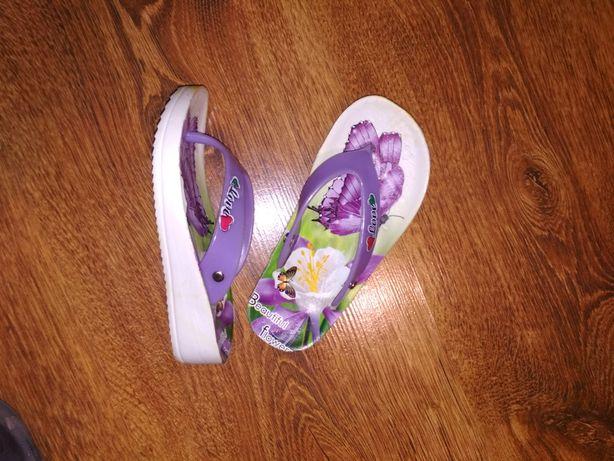Продам Дитяче взуття 4 пари