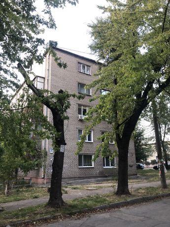 Продам 2-комн. квартиру на ВТОРОМ ЭТАЖЕ, кирпичный дом.  Район Глинки