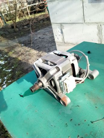 электродвигатель мотор на стиральную машину Индезит