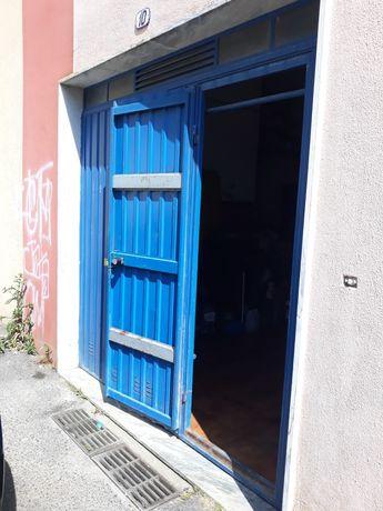 Garagem armazém 48 metros quadrados