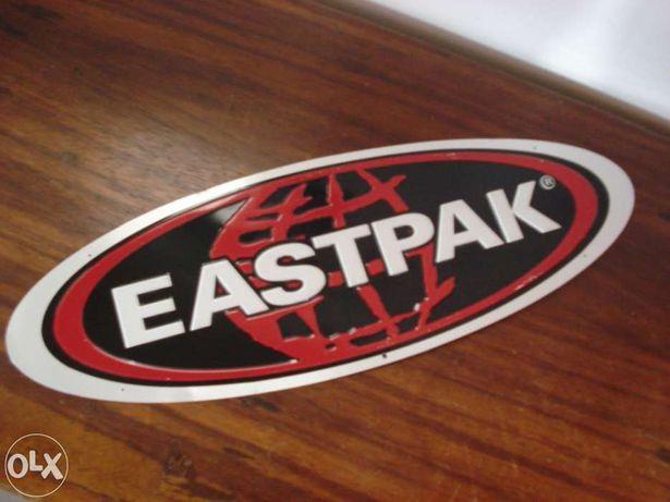 Placa publicidade Eastpak