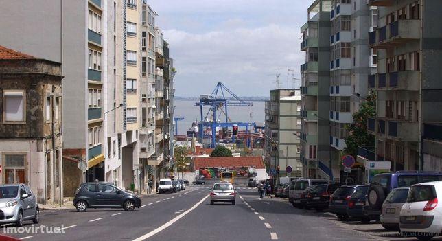 Lisboa- Prédio 4.207M area bruta , 25 fogos, ,auto 26,