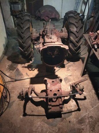 Румынский трактор Universal UTB 445 без двигателя