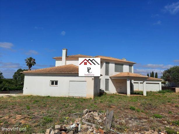 Moradia M5 isolada, em Lagoa, Faro (V456PL)