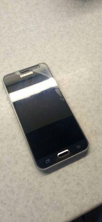 Телефон СамсунгJ3
