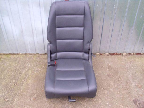 Fotele 2 rząd VW Touran