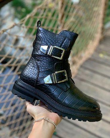 Ботинки Застежка  Зима черные