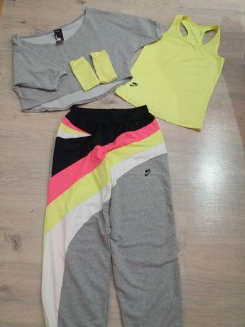 Розпродаж жіночих спортивних костюмів!